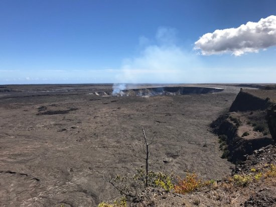 The Volcano Van Private Tours: Kilauea active caldera
