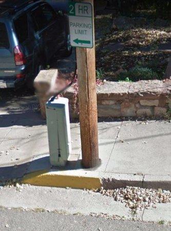 มานิโตสปริงส์, โคโลราโด: This is what the sign looks like out your car window when you've parked.