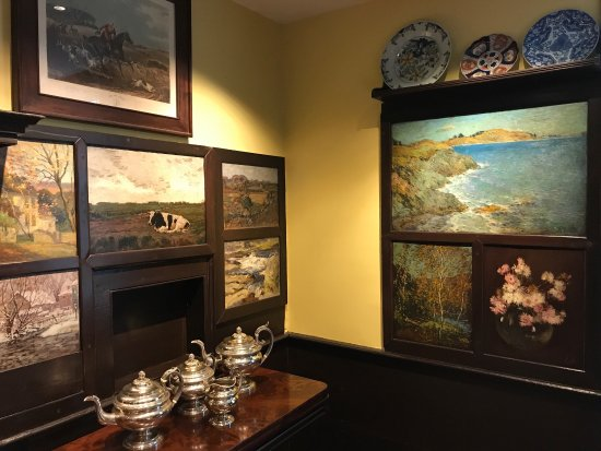 Old Lyme, CT: Really enjoyed seeing Florence's home and boarding house. Dining room paintings amazing