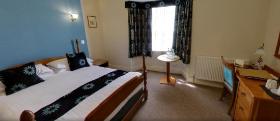 Churston Ferrers, UK: Room 3 - Our Superior Room with Walk in Shower.