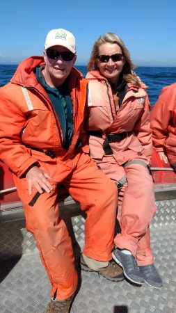 Tiverton, Canadá: All suited up