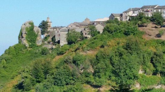 Venzolasca, فرنسا: Vue sur village