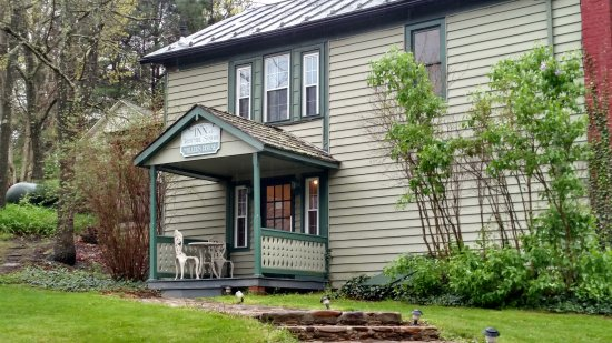 Warm Springs, VA: Bed and Breakfast (Miller House)