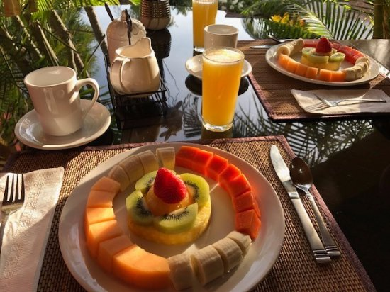 Casa Bella Boutique Hotel: Our complimentary breakfast.