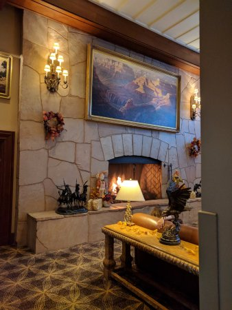 Grand Canyon Railway Hotel: Hotel Lobby
