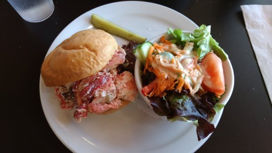 Victoria, Canada: The lobster sandwich