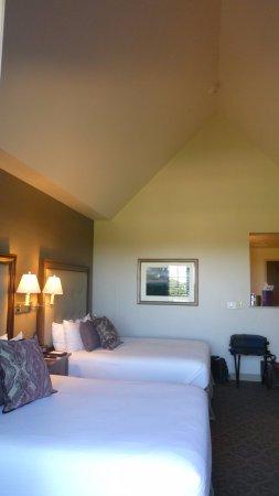Sewanee, TN: Room 211 Double Room