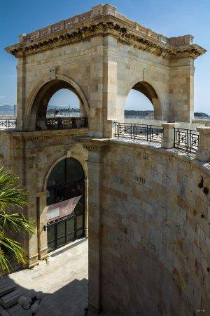 Bastione di Saint Remy: Entrada principal al Bastión