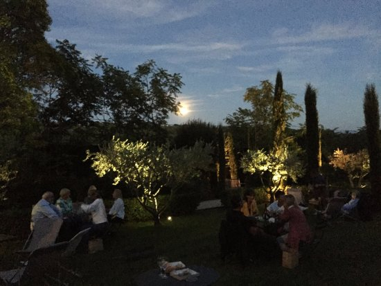 Lauris, Frankrig: Music under the moon and stars
