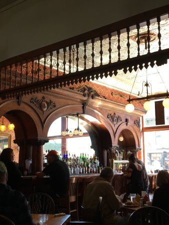 The Grand Restaurant and Saloon: photo1.jpg