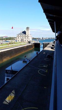 Sault Ste. Marie, ميتشجان: Tour boat leaving lock