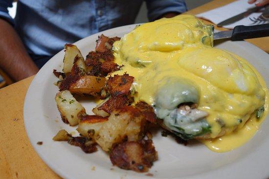 Toasties Cafe: spinach mushroom jack eggs benedict