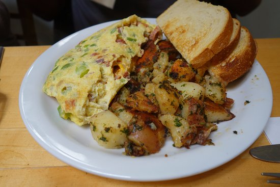 Toasties Cafe: linguica omelette
