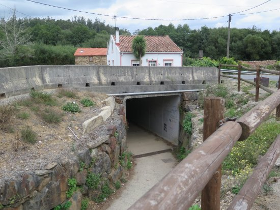 Lavacolla, Spain: Right one the Camino. Underpass access hotel and carries on.