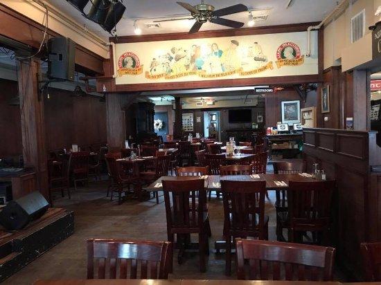 Liam Maguire's Irish Pub : photo0.jpg
