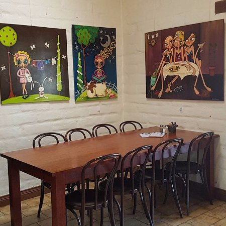 Milawa, ออสเตรเลีย: Local Art Work available to purchase....