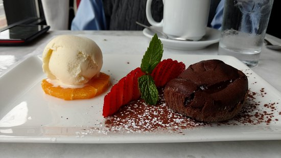 Bleu: Hot Chocolate Cake with an impressive wall of strawberries