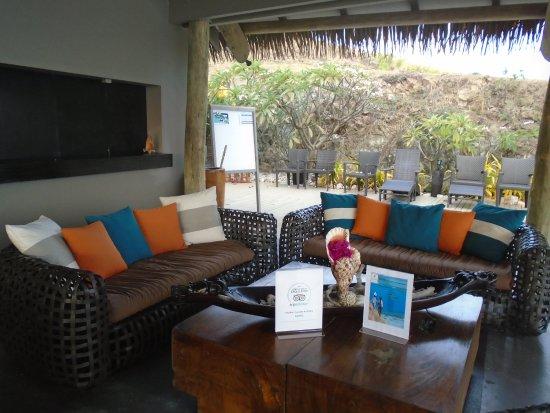Tadrai Island Resort: lounge area