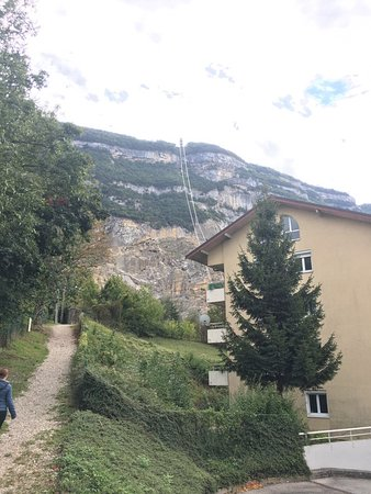 Telepherique du Saleve: Walking from the bus stop to the cable car