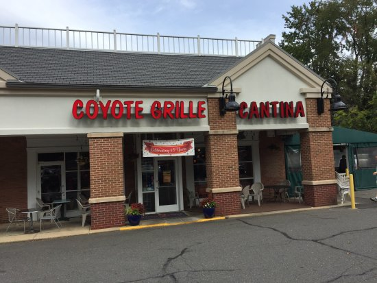 Fairfax, VA: Exterior of Coyote Grill