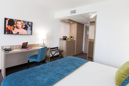 Gradignan, France: Quality Hotel Bordeaux Pessac Guestroom