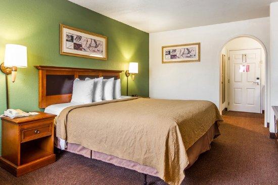 Rodeway Inn Auburn-Foresthill: Guest Room