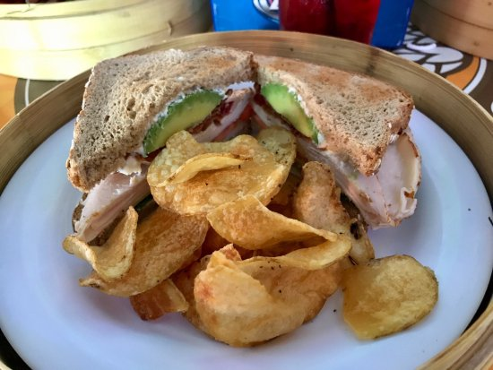Fishlips Waterfront Bar & Grill: Turkey Club with Avocado