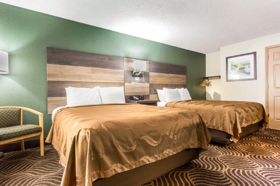 Black Mountain, NC: Guest room