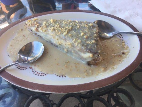 Benson, AZ: Interior, exterior, menu, carrot cake,