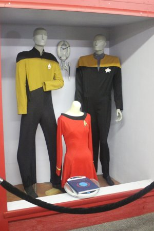 Star Trek Voyage Home Museum: Uniform Display from First Two Shows