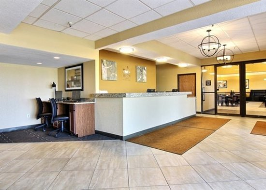 Thief River Falls, MN: Front Desk
