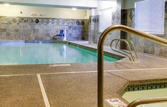 Quality Inn Gresham: Pool