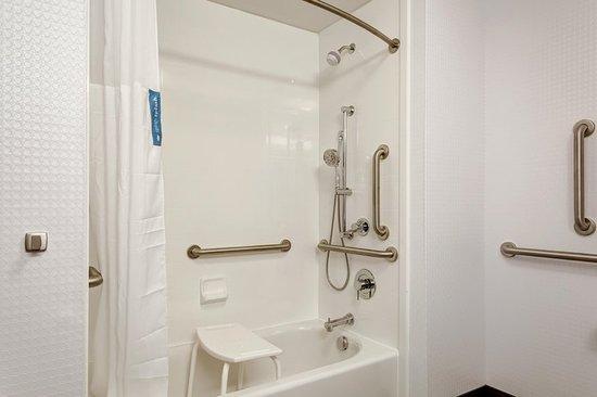 Wentzville, MO: ADA Bath w/ accessible tub