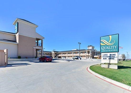 Carrizo Springs, TX: Exterior