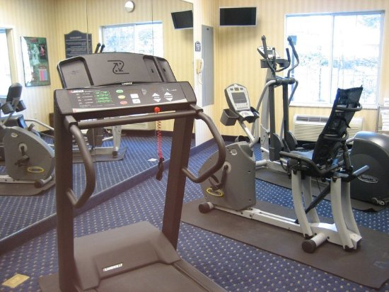 Middleboro, Массачусетс: Stay active with our 24 hour fitness room