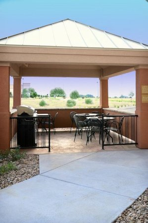 ไบรตัน, โคโลราโด: Denver - Brighton Guest Gazebo and Grilling Area