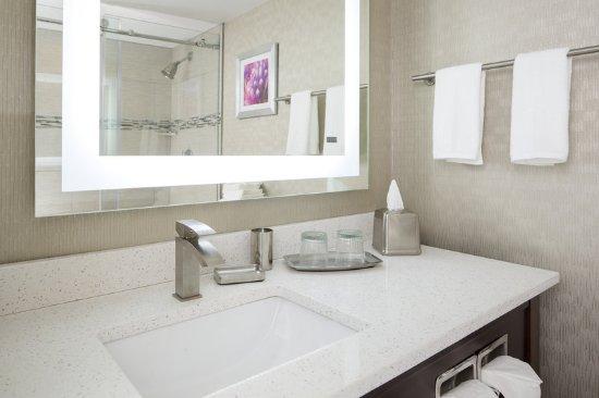 Burr Ridge, إلينوي: Guest Bath