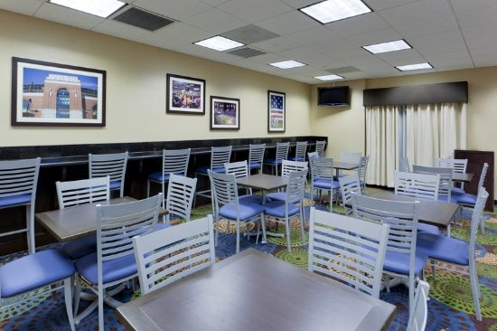 Hanover, MD: Eat Smart! in our Express Start Breakfast Bar Area