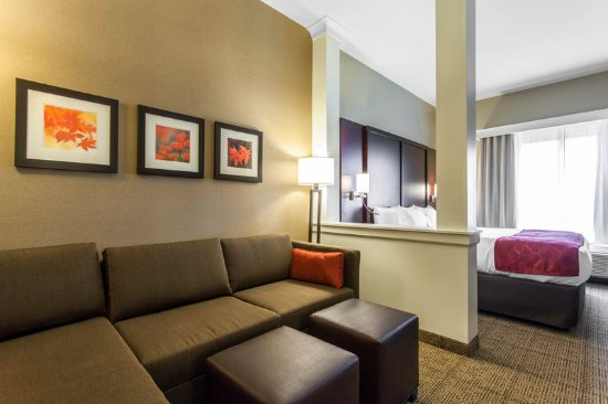 Youngstown, OH: Guest Room