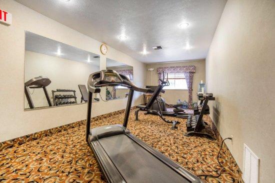 Quality Inn: Fitness Center