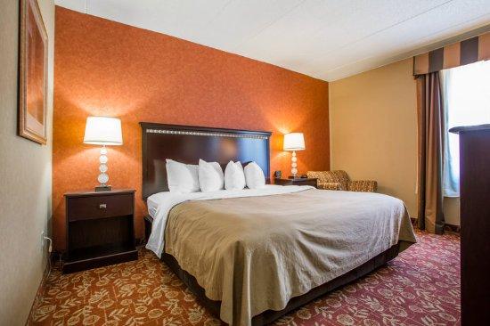 Vineland, NJ: King Room
