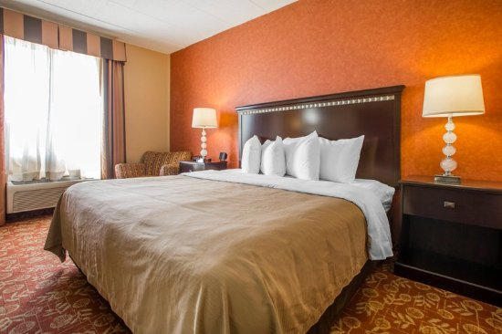 Vineland, NJ: King Room