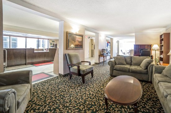 Econo Lodge Ponderosa : Lobby