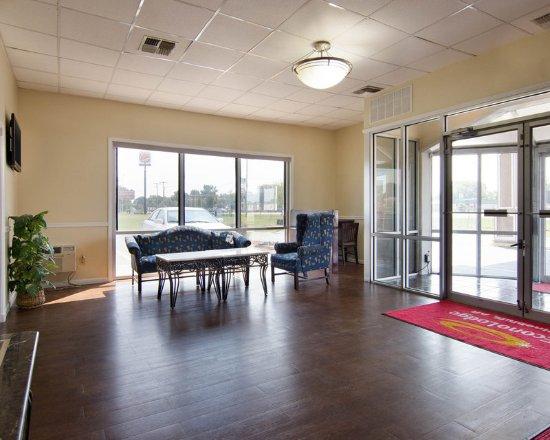 Pine Bluff, AR: Lobby
