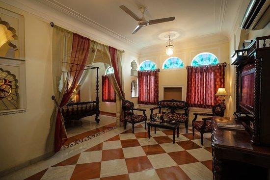 Shahpura House: Bed