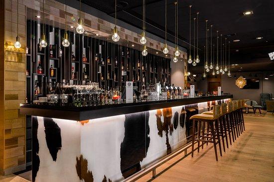 Bar at Bilderberg Garden Hotel