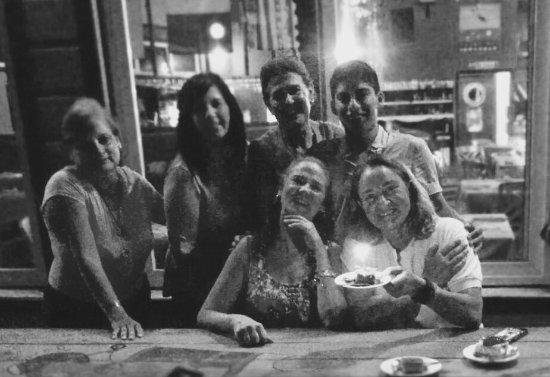 Gio's Restaurant: Celebrando un cumpleaños entre familia y amigas!! Súper bien comidas y atendidas!!