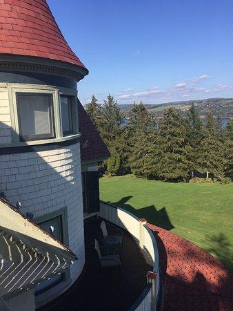 Idlwilde Inn: View from 3rd floor balcony