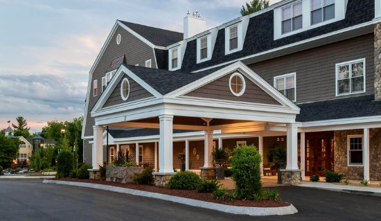 Bedford Village Inn: Grand