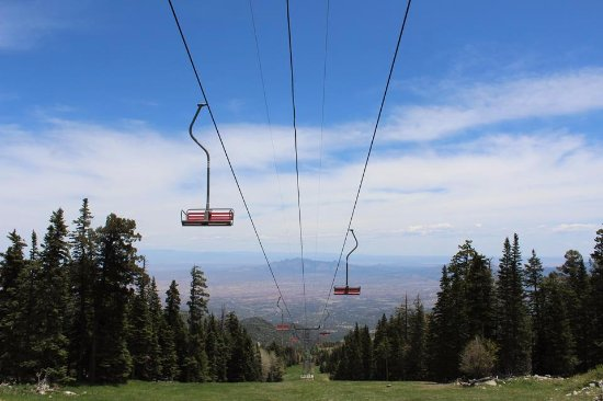 Sandia Peak Tramway: Other side of the mountain